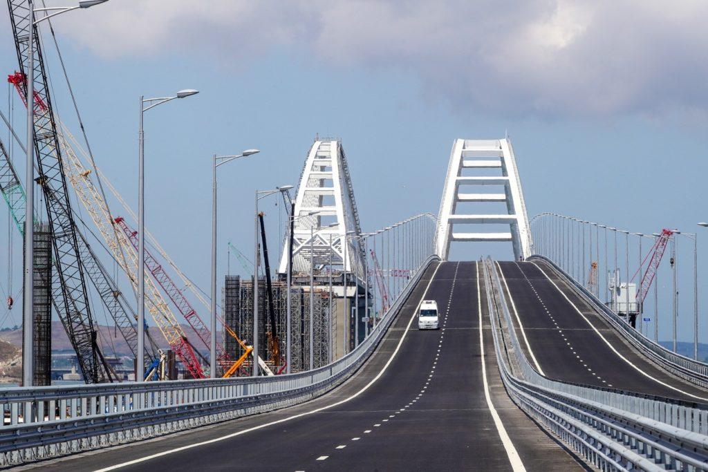 Грузоперевозки по Крымскому мосту